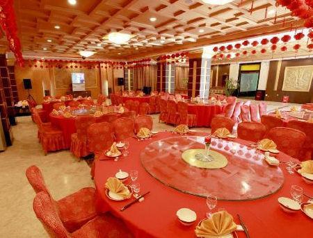 拉萨金哈达太阳岛大酒店