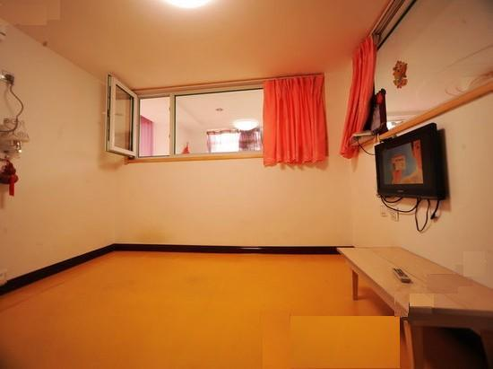 背景墙 房间 家居 酒店 设计 卧室 卧室装修 现代 装修 550_411