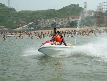 海鲜美食节,旅游购物等系列活动,让您真切感受到大海的神奇魅力与连岛