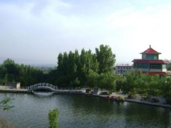 2 荆山黄帝铸鼎原风景区 3 函谷关历史文化旅游区  娘娘山是一处融人