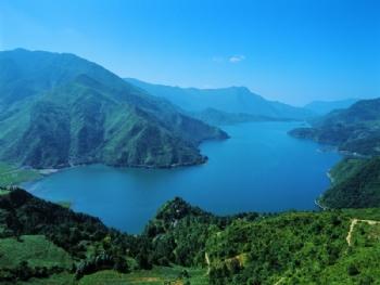 四川凉山彝族自治州旅游景点:马湖
