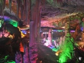 临安/瑞晶洞位于浙江临安市昌化地区的石瑞乡蒲村。