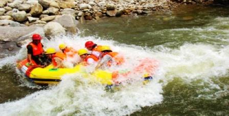 尧山大峡谷漂流图片 尧山大峡谷漂流旅游景点图片 尧山大高清图片
