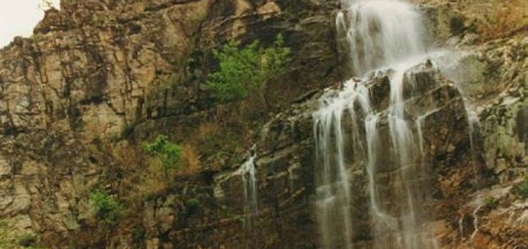 游玩景点仙景台   仙景台风景名胜区位于吉林省东南部长白山东坡延边