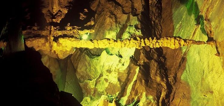 张关水溶洞详情 游玩景点张关水溶洞   重庆张关水溶洞旅游风景区