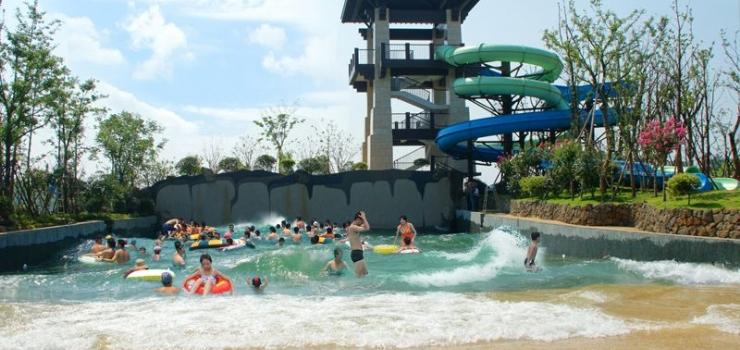 主要包括温泉中心,五星级酒店,森林浴场,温泉客栈,温泉沙滩,戏水温泉