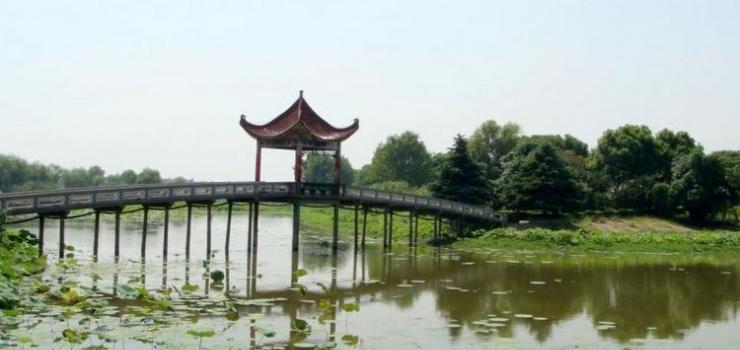 洪湖蓝田旅游风景区是以洪湖自然风貌和人文
